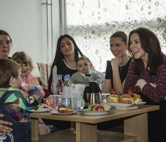 Mary de Dinamarca, el mejor apoyo para las madres jóvenes