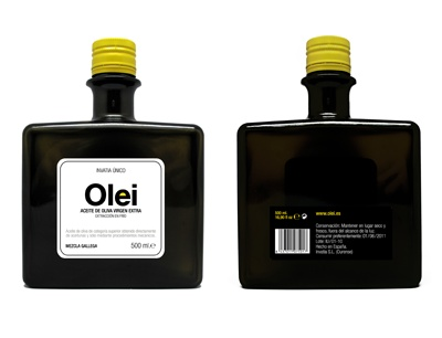 Olei, extra olive oil. Design by Anorak Studio for all our olive oil #packaging loving peeps. PD