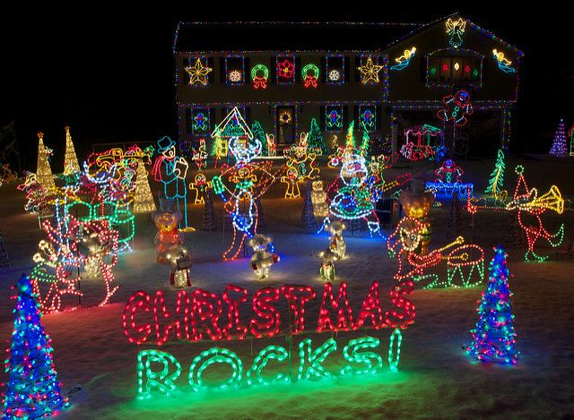 best 25 best christmas light displays ideas on pinterest best christmas lights christmas lights display and outdoor christmas light displays - Christmas Music Lights