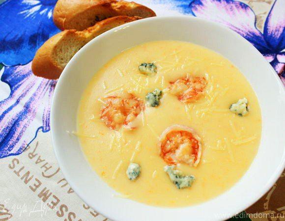 Сырный крем-суп с креветками Сытный суп-пюре с пикантным привкусом сыра данаблю. Простое в приготовлении и невероятно вкусное блюдо. Подавайте суп горячим со свежим багетом. #готовимдома #едимдома #кулинария #домашняяеда #суп #сырный #креветки #сытный #вкусно #обед #сырданаблю #аппетитно