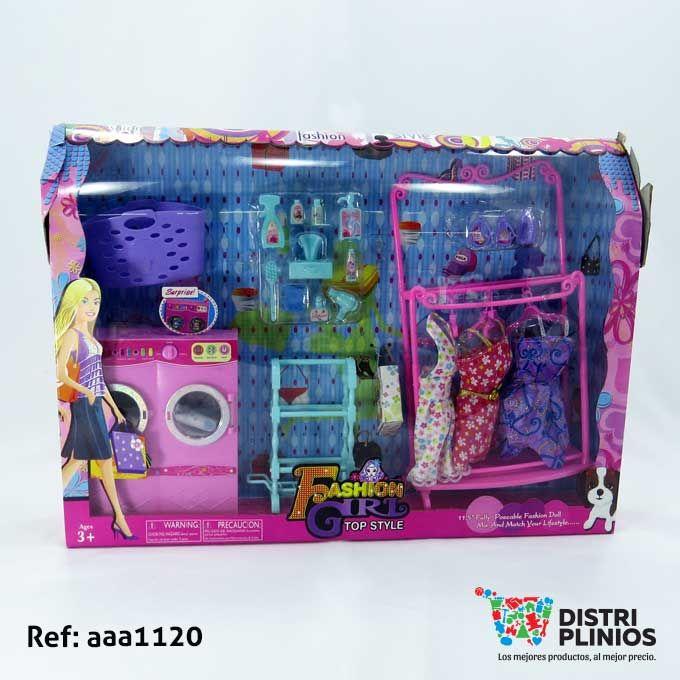 Set de ropa y lavandería para muñeca de juguete, viene con vestidos, implementos de lavandería en plástico, y lavadora de juguete, ideal para regalar. Medidas: Alto: 34 cms Largo: 7 cms Ancho: 47 cms. Los precios de nuestro sitio web son al por mayor, el costo de los productos se incrementa en compras por unidad, cualquier inquietud comuníquese al 320 3083208 o al 3423674 o visítenos en la Calle 12 B # 8a – 03 Centro, Bogotá, Colombia.