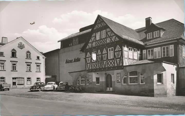 Fabrica de cerveza y restaurante Leiner sobre 1960. #beer #germany @condeduquegente #malasaña #bar #madrid #follow #photo #germany #alemania #old #family #cerveza #foddie by barleinermadrid