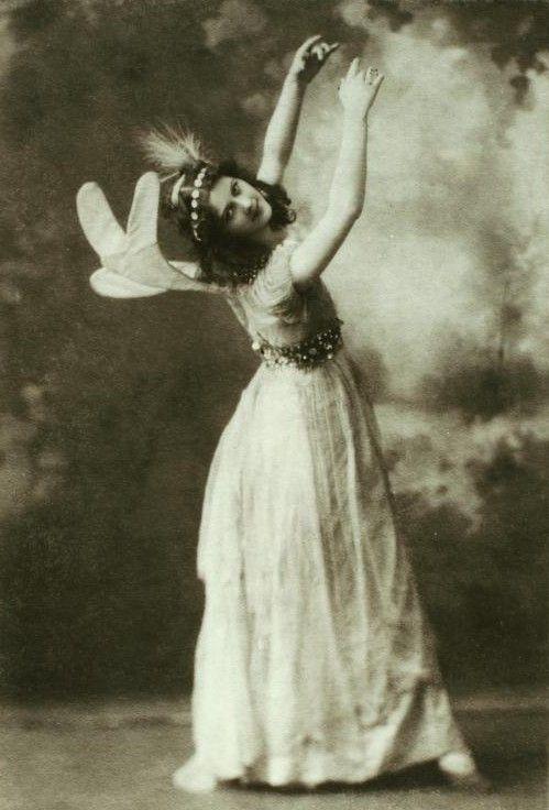 File:Isadora Duncan - first fairy.jpg