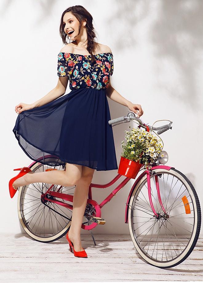 Mixray Çiçek baskılı elbise Markafonide 114,00 TL yerine 39,99 TL! Satın almak için: http://www.markafoni.com/product/3779496/