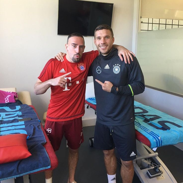"""""""Nice to see you my friend ✌️ hope you'll be back at the pitch soon  #ribery #poldi #friends #bro #comebacksoon #strassenkicker"""""""