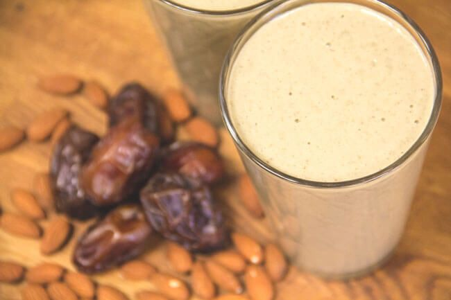 Enjoy this dairy free, nutritious and satisfying meal replacement smoothie any time of day! It's rich, filling and boldly chai flavoured!