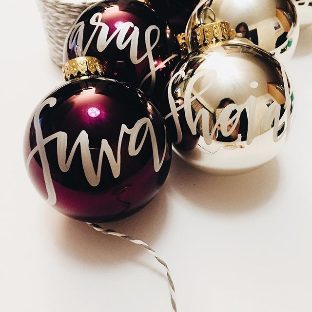 It's only November but for freelancers and designers, we are already in the mid December... pumping up the Christmas music and jingles. As for me, excitement in the studio with these 2 new colours in the glass ornament series, gold and purple! 🎄#calligraphyornaments #jinglebells #christmasinthestudio