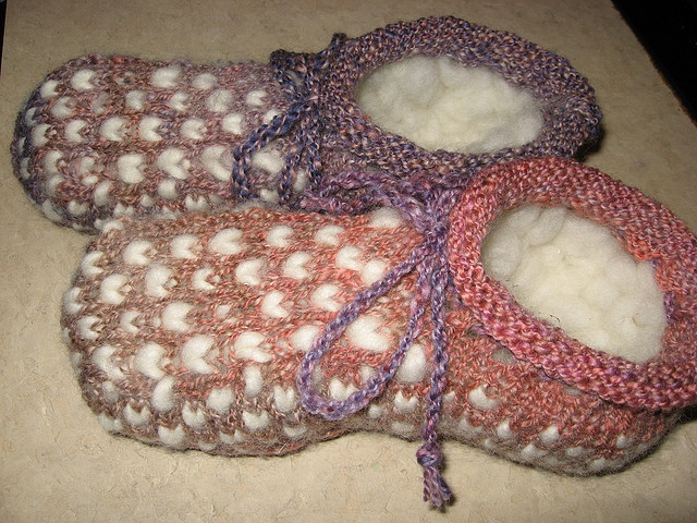 Newfoundland Thrum Boot Slippers - these would be so warm