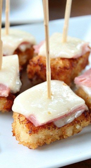 Chicken Cordon Bleu Bites - These are super crispy, crunchy bites of deliciousness and make a great appetizer.