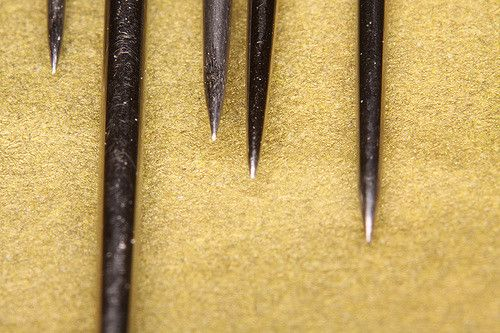 Needles from the sewing kit, this time shot with additional 65mm of extensions tubes and a +3 diopter in front of the 105mm macro lens.