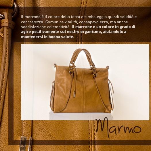 Andate sul classico e preferite le borse marroni? E' un colore che comunica vitalità ed emotività!  http://www.caleidostore.it/it/borse-medie/91-marmo-quadrata.html