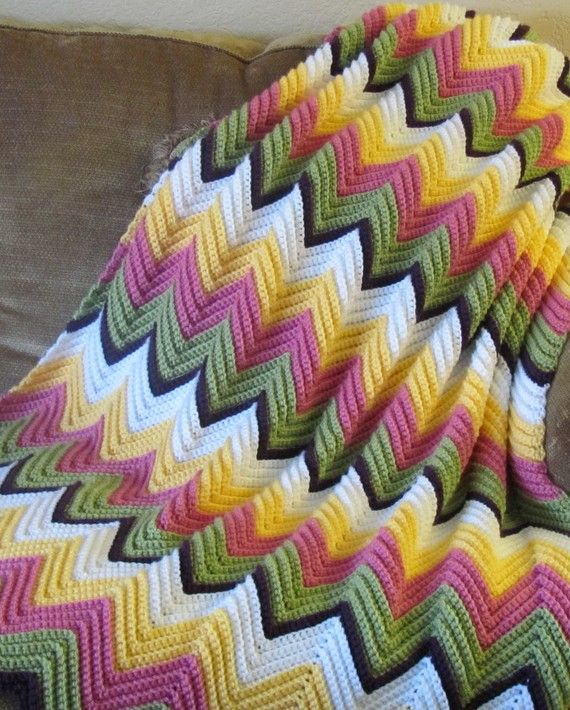 Crochet Afghan Patterns With 2 Colors : Love the colors of this afgan crochet Pinterest ...