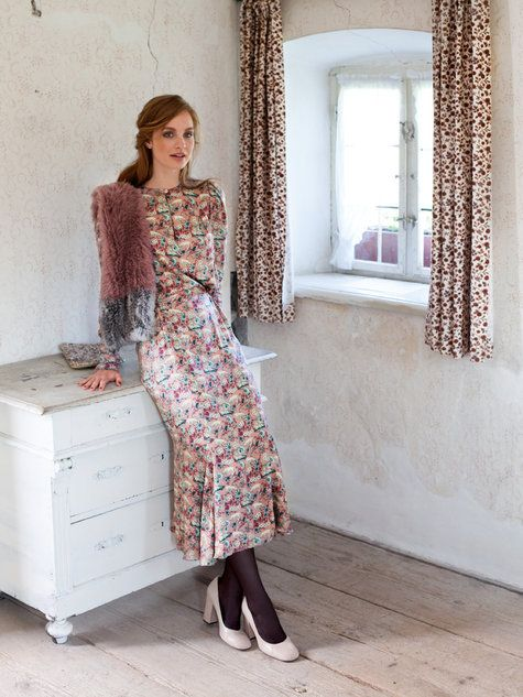 Gather and tuck dress. Pattern: http://www.burdastyle.com/pattern_store/patterns/gather-and-tuck-dress-092013