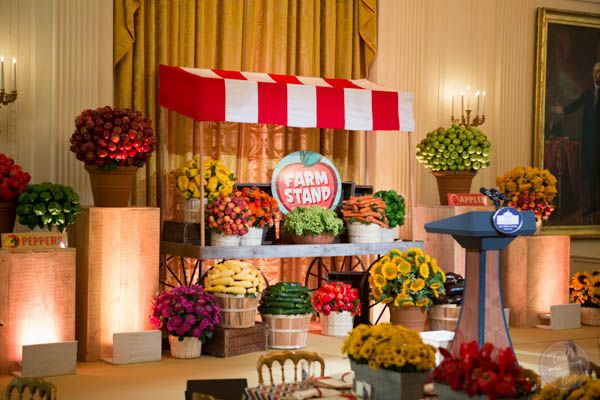 white-house-kids-state-dinner-2014-FARM STAND
