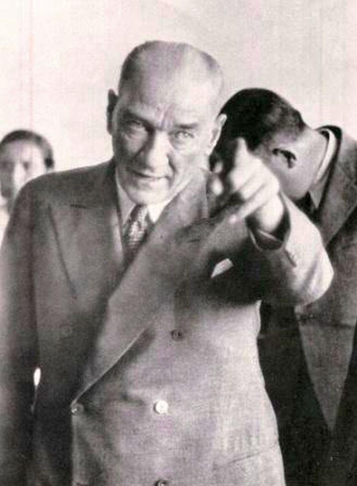 """✿ ❤ """"İki Mustafa Kemal vardır. Biri ben, fâni Mustafa Kemal; diğeri milletin içinde yaşattığı Mustafa Kemaller idealidir. Ben onu temsil ediyorum. Herhangi bir tehlike anında ben ortaya çıktımsa, beni bir Türk anası doğurmadı mı, Türk anaları daha Mustafa Kemaller doğurmayacaklar mı? Feyiz milletindir, benim değil."""" M. Kemal Atatürk"""
