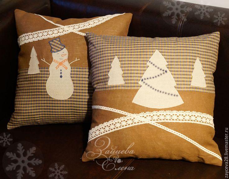 Купить льняные подушки Снеговик и Ёлочка - коричневый, подушка декоративная, подушка на диван, подушка с аппликацией
