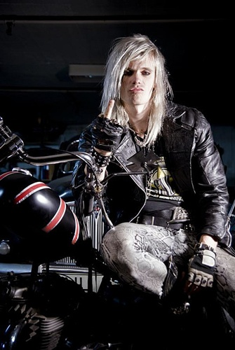 Another hot Swede, Simon Cruz from the Sweish sleaze-rock band Crashdiet.