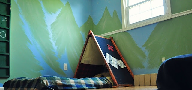 Camping theme bedroom.  such a cute idea.