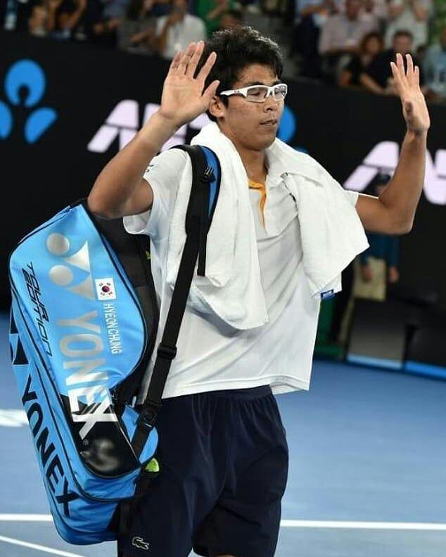Open d'Australie : Federer jouera sa 30e finale de Grand Chelem après l'abandon de Chung (ampoules)  #photography #tennis #live #news #motivation #running #fitness #training #losangeles #california #gym #body #instagram #art #facebook #twitter #snapchat #usa #paris #london #moscow #tokyo #madrid #berlin #roma #barcelona #melbourne #munich #geneva #nyc