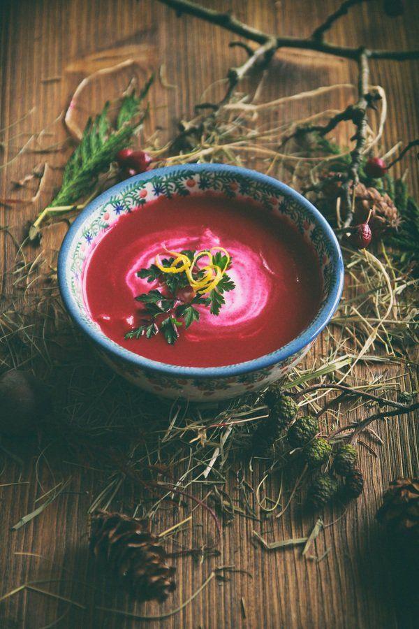 Zupa krem z buraka z mleczkiem kokosowym i trawą cytrynową