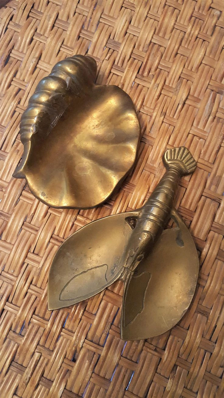 FOR SALE: Vintage Brass Shell and Lobster Dish Set by SoDarnedVintage on Etsy   #brass #vintagebrass #seashell #lobster #nautical #barcart #barcartstyling #bartray #bartraystyling #bohostyle #bohodecor #nauticaldecor #fleamarketstyle #sodarnedvintage #etsy