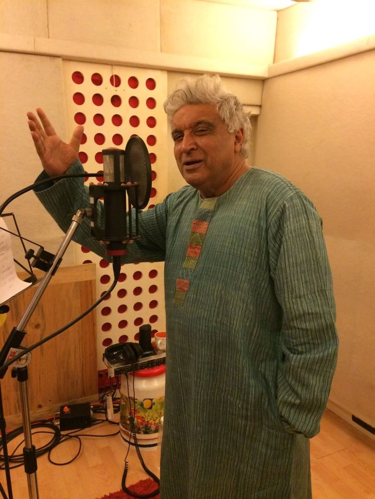 Javed Akhtar The Man who needs no introduction came to Audio Garage For Voice-Over.Mumbai music Institute