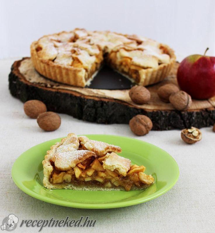 Karamellás-diós almás pite | #almáspite #pite #sütemény #alma #dió #gyümölcs #karamell #vaj #babapiskóta #vanília #fahéj #pudingpor #keményítő #receptneked #KIKELLPRÓBÁLNI