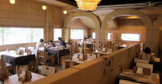 Carton restaurant - Dove tutto è di cartone, Taiwan, Taichung City.