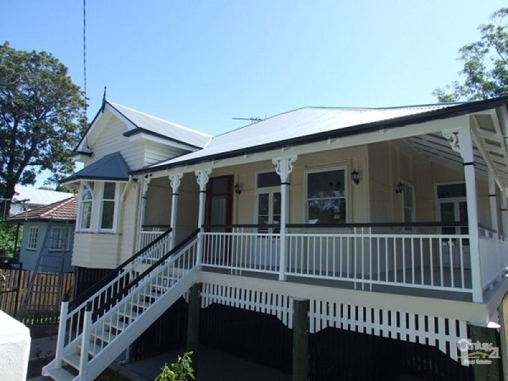 Edwardian, queenslander facade ideas in grey