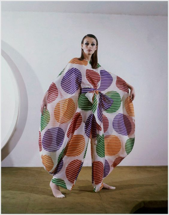 1969 Pierre Cardin UM If I EVER get rich, this is the first thing I am paying someone to make!