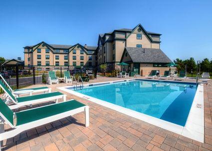 Outdoor pool at the Hampton Inn, Bar Harbor Maine