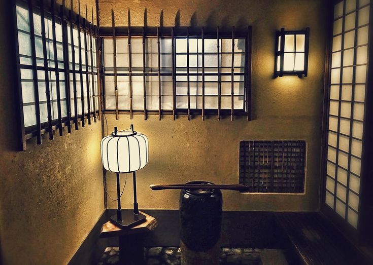 https://flic.kr/p/tJB1nG | Toriyasa Old Room | Toriyasa is a restaurant in Kyoto along the Kamogawa River that specializes in chicken dishes-- particularly a kind of chicken hotpot called mizutaki. The restaurant dates back to 1788, during the second year of the long rule of Shogun Tokugawa Ienari. The first floor of the building also dates back to at least 1788, if not earlier. The restaurant's architecture is really a treasure-- so much so that the restaurant is listed as an Intangible…