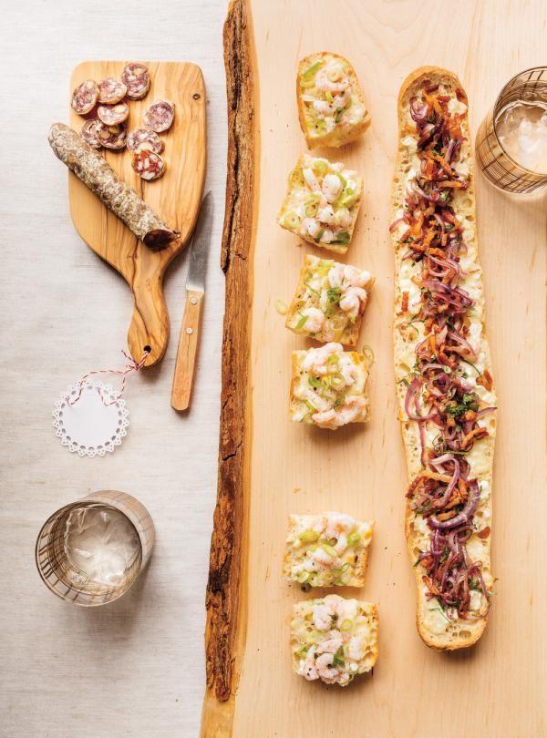 Recette de Ricardo de pain farci au fromage et ses deux garnitures (bacon et crevettes)