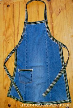 """The Erratic Project Junkie: """"A"""" is for Aprons made from denim blue jeans"""