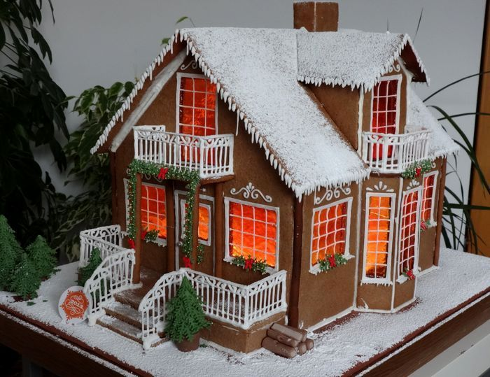 121 best gingerbread house xmas 2016 images on pinterest for Gingerbread house decorating ideas