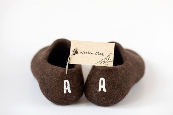 Handmade initial slippers  Personalized shoes  by WoolenClogs