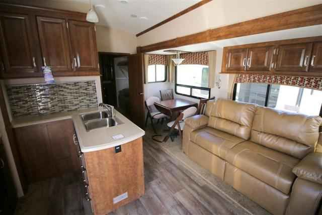 2016 New Forest River BLUE RIDGE 3715BH Fifth Wheel in Texas TX.Recreational Vehicle, rv, 2016 Forest River BLUE RIDGE3715BH, 13.5K BTU A/C in Bedroom, Auto Level Up System, Bike Rack, Heat Pads for Tanks, Nite Roller Shades, Sofa in Bunkroom,