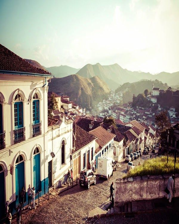 This is Ouro Preto, called Vila Rica in the novel. The place to go and become rich by finding gold and diamonds, until the Portuguese crown turned mining into a monopoly