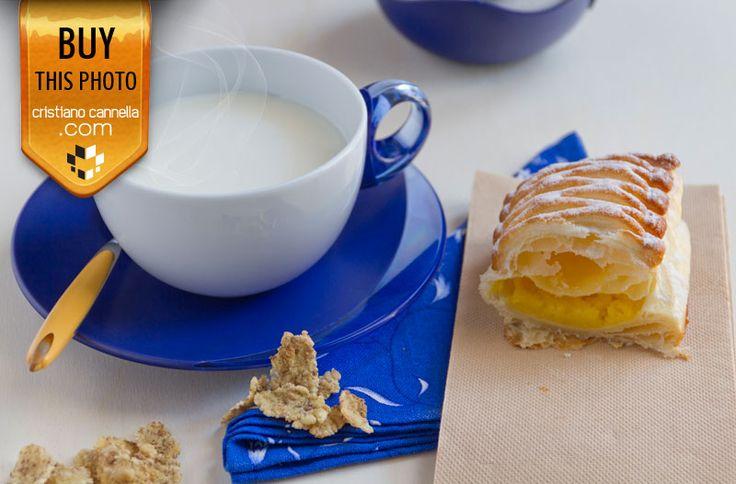 Yellow cream pastry with hot milk cpu