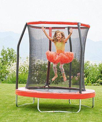 6ft Trampoline and Enclosure