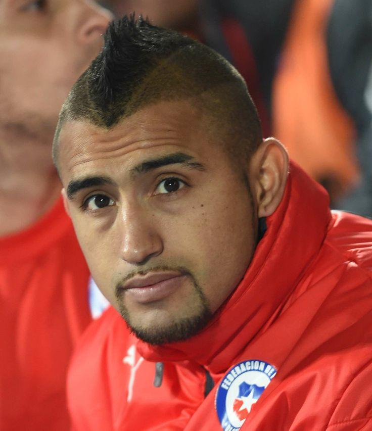 Chile confirma Arturo Vidal e divulga lista final para Copa. http://esportes.terra.com.br/futebol/copa-2014/chile-confirma-arturo-vidal-e-divulga-lista-final-para-copa,a1b7537985856410VgnCLD200000b2bf46d0RCRD.html