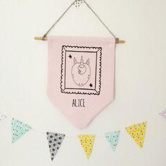 Bannière fanion plaque de porte rose  - prénom personnalisé fille - modèle licorne - chambre enfant - décoration murale