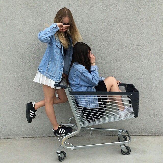 Friends, best friends, bff and supermarket
