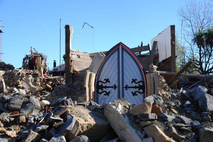 Durham St door, post-earthquake Christchurch (New Zealand)