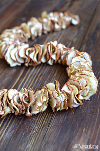 allParenting DIY dried apple garland