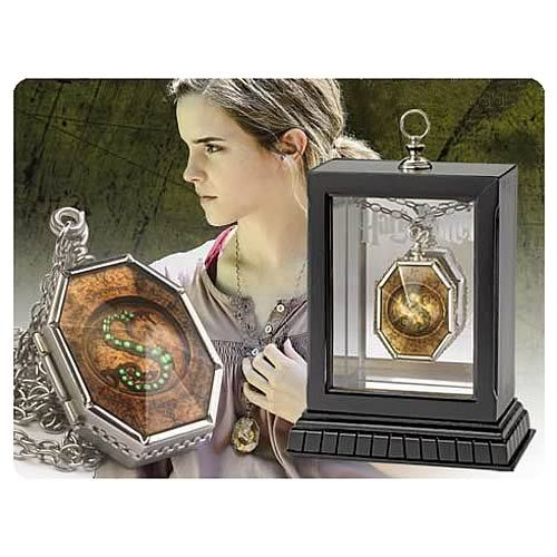 Harry Potter Horcrux Locket Replica - Noble Collection - Harry Potter - Prop Replicas at Entertainment Earth