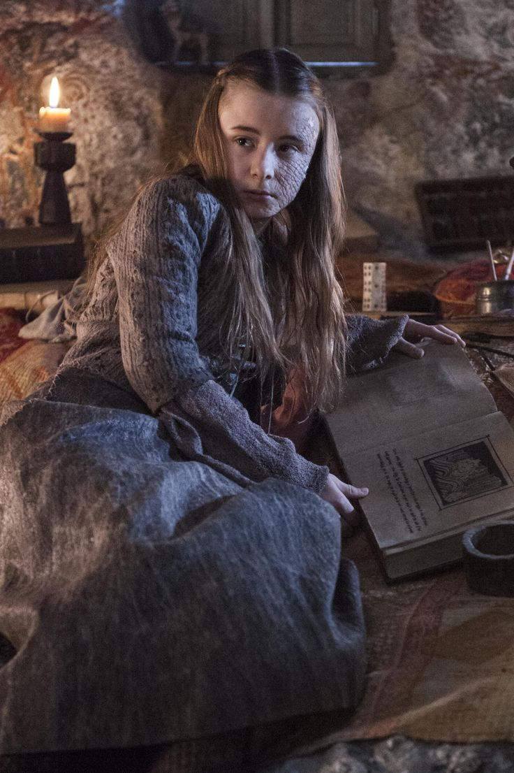 Shireen Baratheon, daughter of Stannis - Game of Thrones,  am i the only one scared the red woman will kill her????