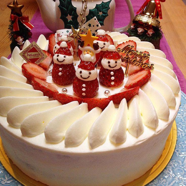 """""""ジングルべ〜ル ジングルべ〜ル えっ?もうクリスマス終わった? 気にしない気にしない! 明石家サンタ見ながらクリスマス楽しみま〜す #クリスマスケーキ #手作りケーキ #手作りスイーツ #手作りお菓子 #homemadesweets #いちごサンタ"""""""