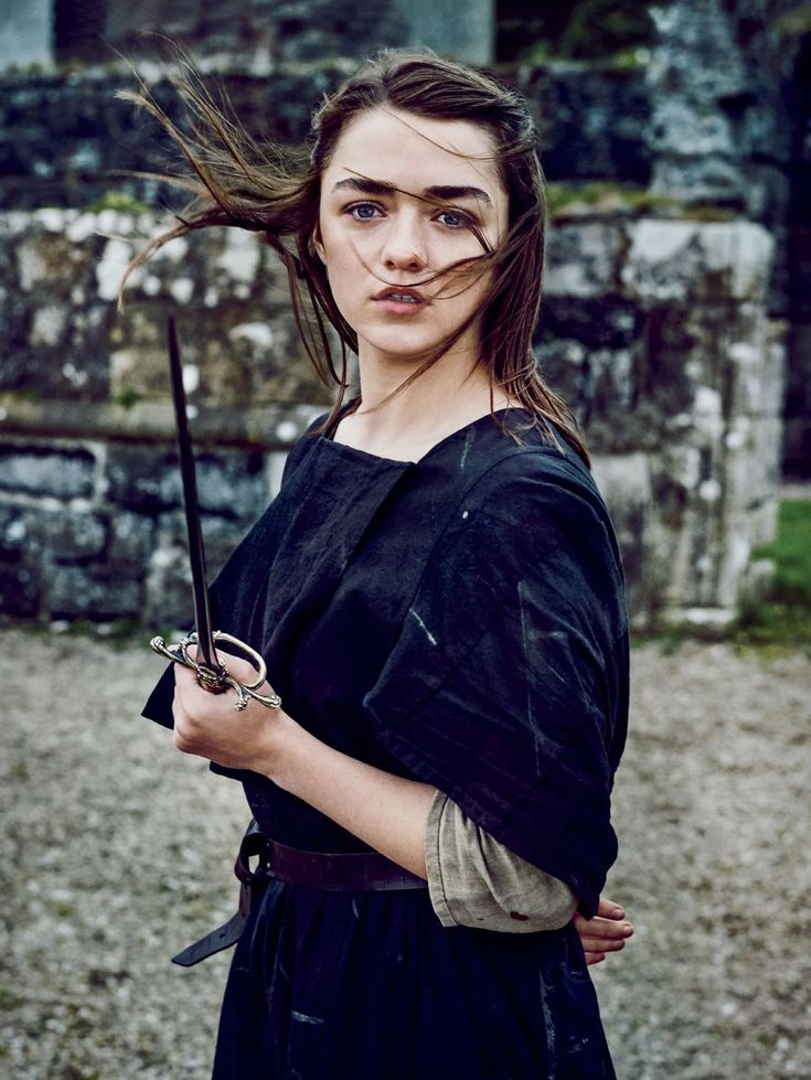 This picture is absolutely beautiful of Maisie Williams. Very captivating.