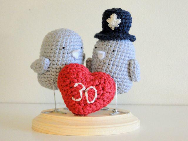 lovebirds for 30 years by caseyplusthree, via Flickr. ❤CQ #crochet #hearts #valentines